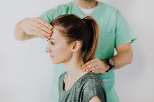 ¿Que comprende la cirugía de cabeza y cuello?